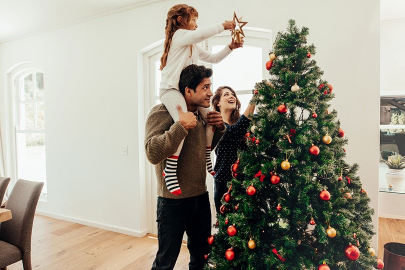 Family With Christmas Tree (1)
